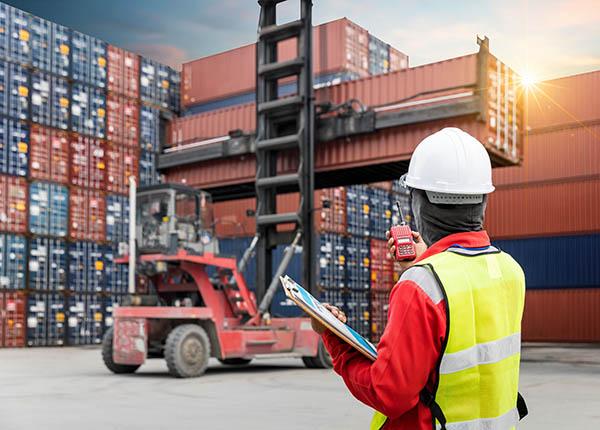 Γιατί να νοικιάσω ένα container μεταφοράς;